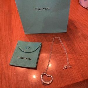 tiffany elsa peretti heart shaped pendant
